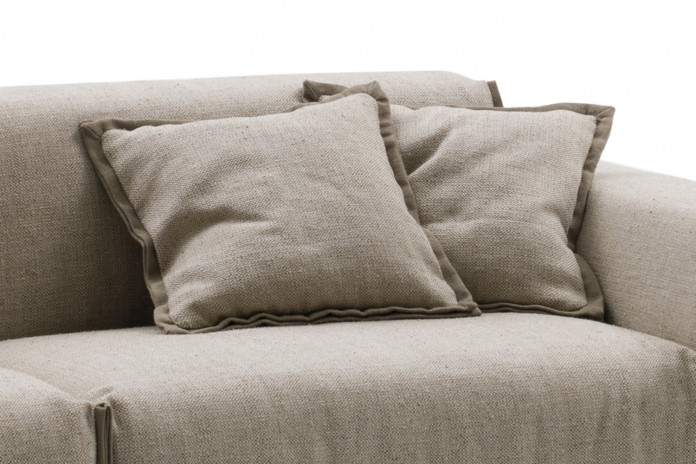 Flanged scatter cushions